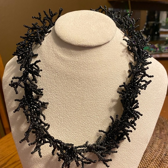 Artisan Jewelry - Black coral look seed bead necklace